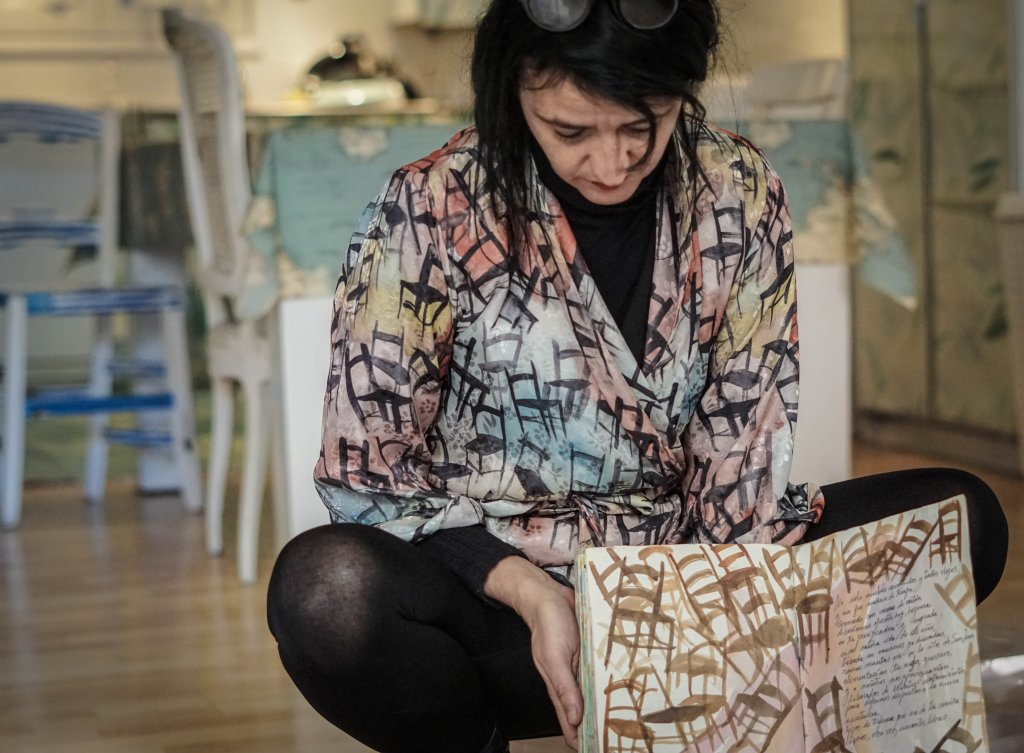 La Galerista: PI PIQUER - pintora, escenógrafa y performer